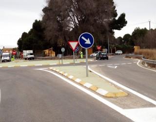 Reposición de la pintura vial de las carreteras de acceso a las pedanías