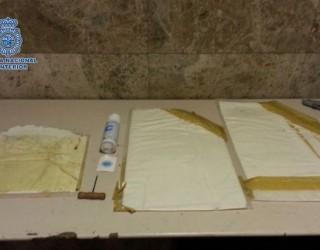 Detenido en Barajas un vecino de Hellín con dos kilos de cocaína