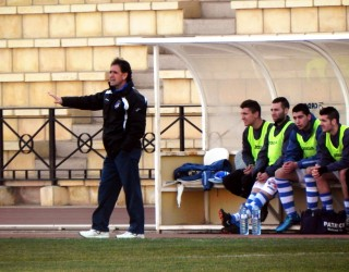 El Hellín Deportivo fue superado por el Quintanar en un flojo partido (1-0)