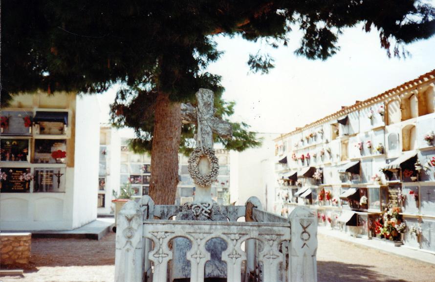 cruz-cementerio