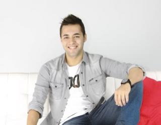 El actor hellinero Alex Álvarez será el presentador del cartel de la Tamborada 2015