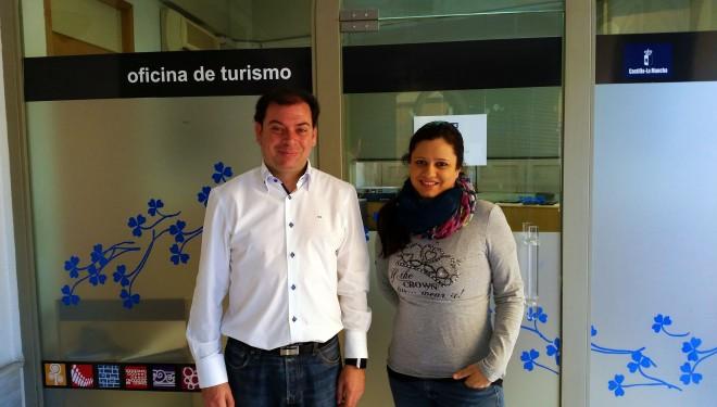 Abierta de nuevo la oficina municipal de turismo el faro for Oficina municipal de turismo