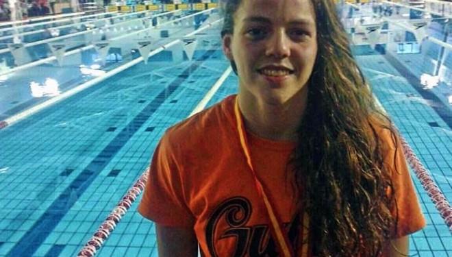 La nadadora hellinera Nerea Ibáñez bate el record de 100 metros libres de Castilla-La Mancha