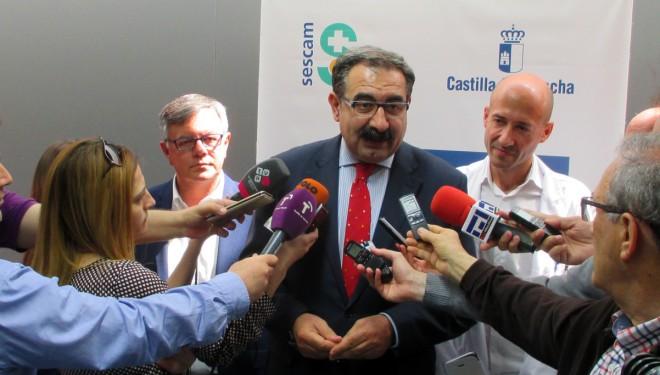 El consejero de Sanidad de la Junta quiere desarrollar una sanidad que haga que los ciudadanos vuelvan a creer en su eficacia
