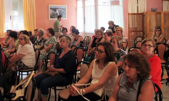 Asistentes al acto en la Caseta / EFDH.