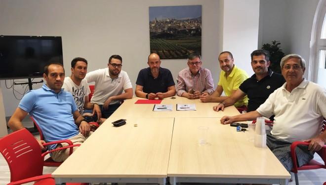 Reunión de Ramón García con la nueva directiva del Hellín Club de Fútbol