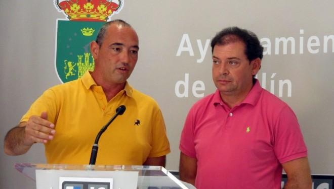 Los grupos municipales del PSOE e IU se unen a la protesta contra el cierre de la línea Hellín-Alicante
