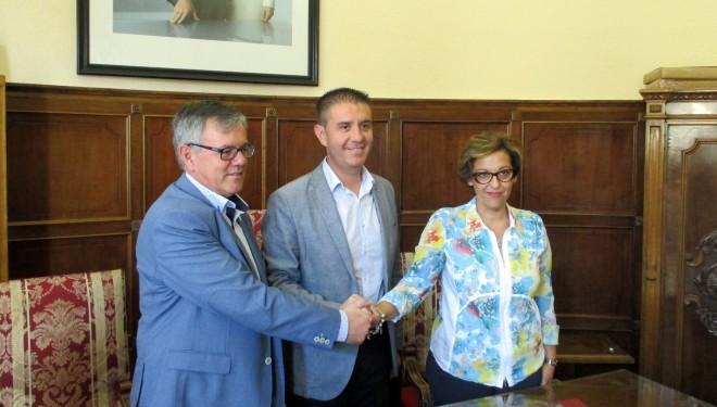 La Diputación de Albacete firma un convenio de colaboración con la Asociación de Familiares de Alzheimer (AFA)
