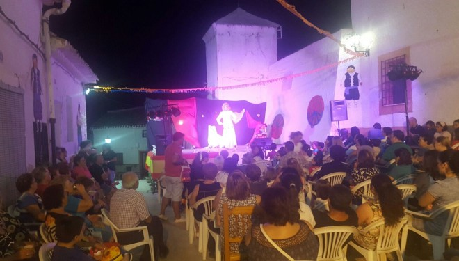 Buen ambiente en las fiestas del Barrio de San Rafael en honor a Tobías