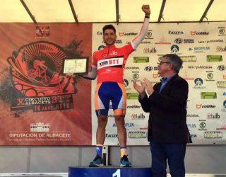 El hellinero Alberto López bicampeón del Circuito provincial de BTT, tras conseguir el tercer puesto en Bonete