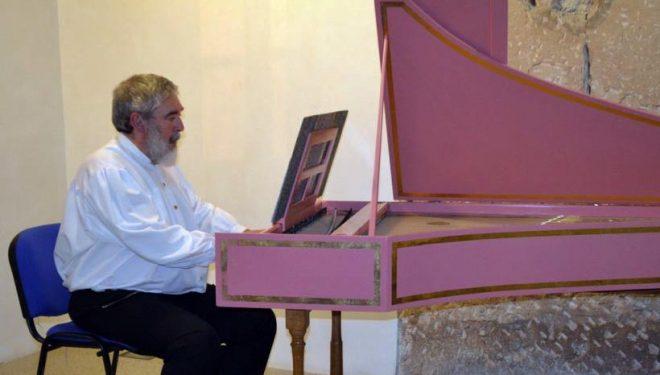 El músico Gregorio García ofrece un Concierto de clavicémbalo