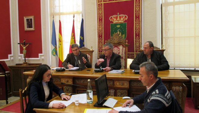 Los presupuestos municipales fueron aprobados con los votos del PSOE e IU