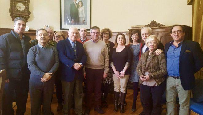 Juan Valiente toma el relevo de Cande López en la presidencia de la Junta Directiva  local de la AECC