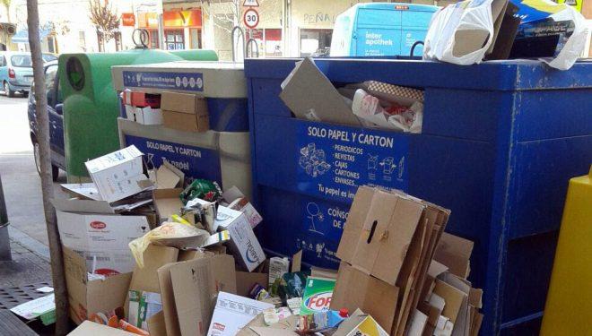El PP denuncia el lamentable estado de las calles de la ciudad en las zonas de recogida de material reciclable