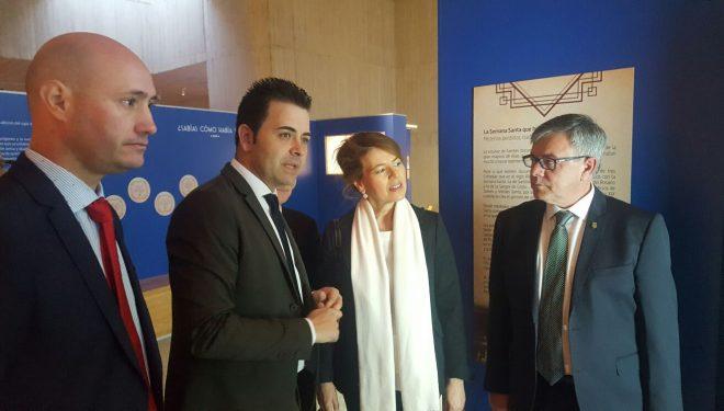 La consejera de Bienestar Social, Amelia Sánchez, visita el Museo de Semana Santa