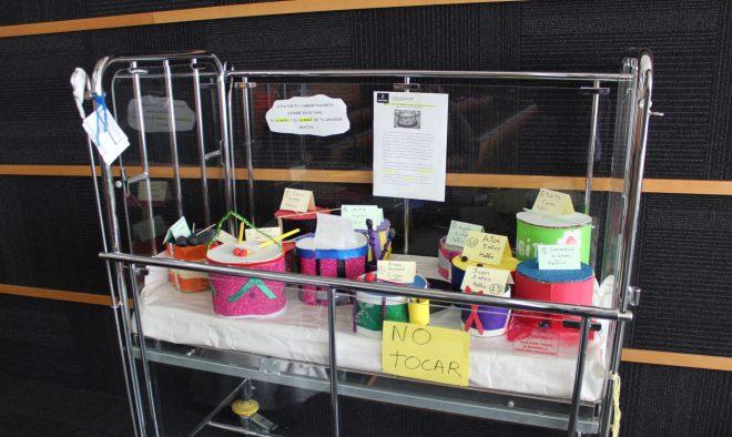 Tambores elaborados por los niños.