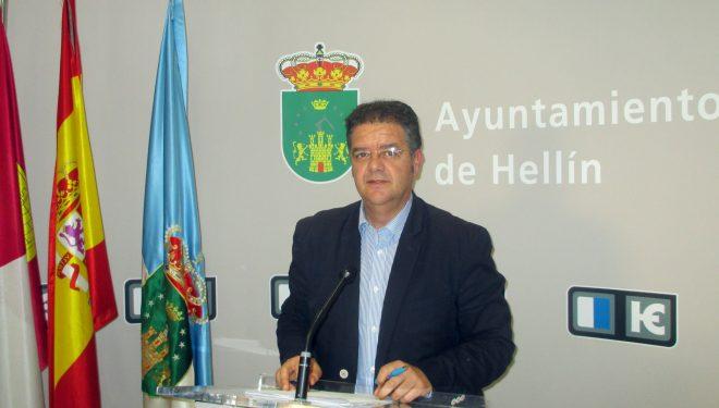 Juan A. Moreno Moya le pide a María Jesús López que no haga demagogia ni manipule la información