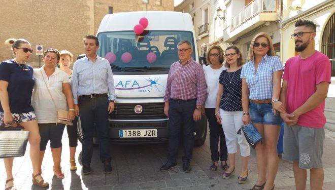 Entregada a AFA-Hellín de un vehículo adaptado para mejorar el servicio