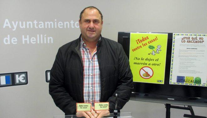 """""""Todos contra las cacas"""" eslogan de la campaña  de concienciación de Medio Ambiente"""