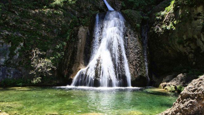 Visita al Parque natural de los Calares del Mundo y de la Sima de la mano de la Diputación, en Riópar