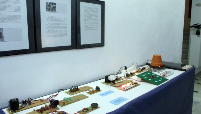 Éxito de la exposición de Juan A. Hidalgo sobre el prodigioso mundo de la electrónica