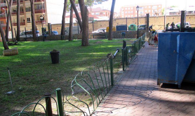 Destrozos en el parque / EFDH.