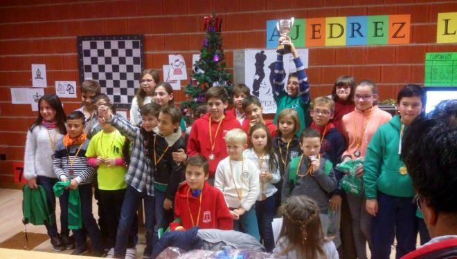 El hellinero Arturo Roldán, ganador del I Torneo de Navidad de Ajedrez Infantil