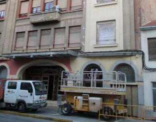 Se inician los trabajos de pintura de la fachada del Teatro Victoria