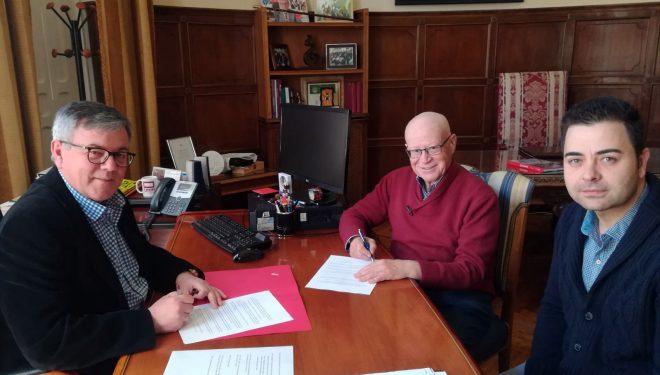 La Asociación de Cofradías y Hermandades decibe 25.000 euros tras firmar un convenio con el Ayuntamiento