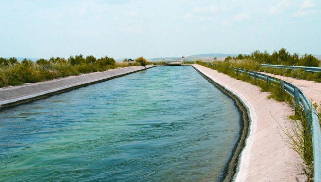 Los socialistas exigen mejoras en la gestión del agua
