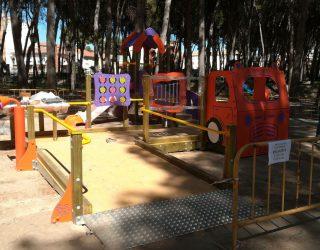 Colocación de juegos infantiles en parques y jardines del municipio