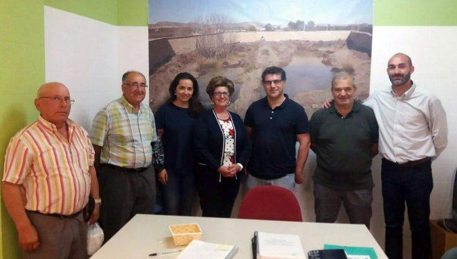 Toma de contacto de Manuel Serena con los responsables de la SAT Mayorazgo de Agramón y la Comunidad de Regantes de la Fuente Principal y Pozo de Contreras