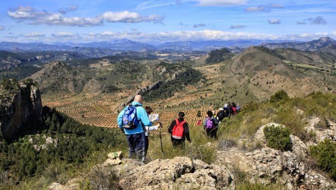 Las rutas de senderismo de la Diputación se desplazan este domingo hasta Elche de la Sierra