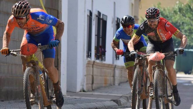 Alberto López vencedor en la prueba de Villalgordo del Jucar