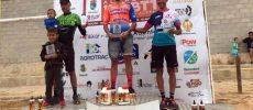 Alberto López vencedor en la carrera solidaria de Hoya Gonzalo