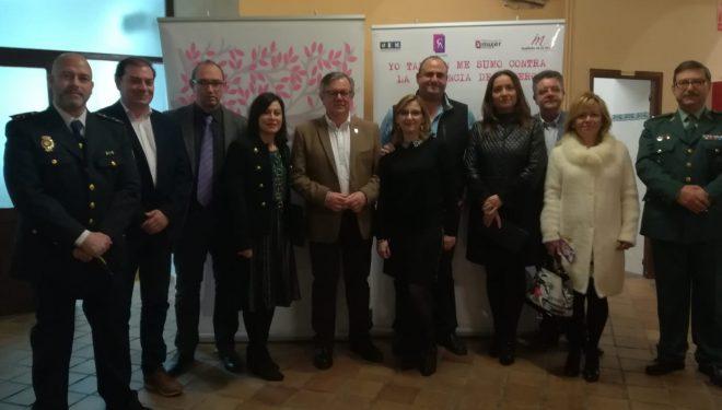 Ramón García y Rosa Cuesta piden seguir trabajando para acabar con la violencia de género