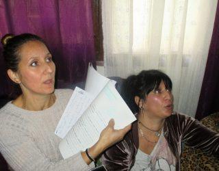 Una mujer y su hijo discapacitado son desalojados de una vivienda de Nava de Campaña