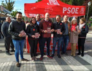 PSOE, Partido Popular y Ciudadanos, presentaron en el mercadillo sus programas para las elecciones del próximo domingo