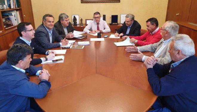 El presidente de la CHS atiende las peticiones de nuevas concesiones para los regantes de Cancarix y Agramón