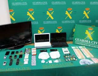La Guardia Civil de Albacete detiene a dos personas por tráfico de drogas e incauta más de 300 gramos de cocaína