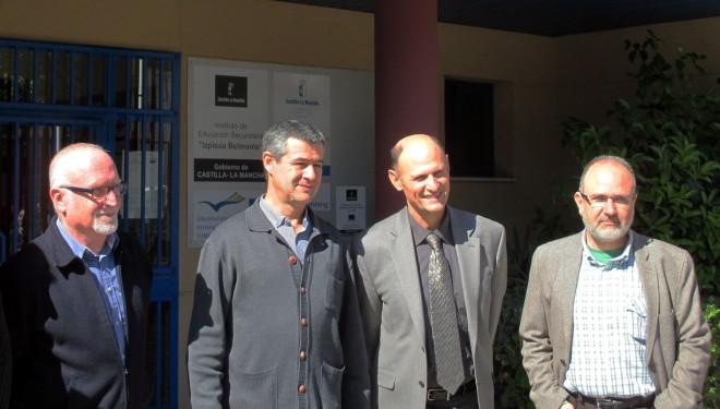 Juan Carlos Izpisúa Belmonte visita el instituto que lleva su nombre