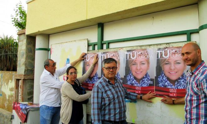 Ramón García y acompañado de algunos miembros del PSOE