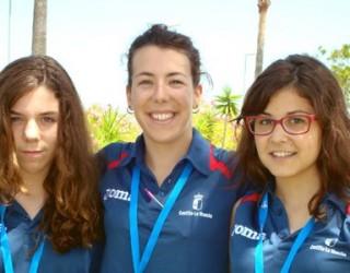 Tres medallas de bronce para los nadadores hellineros en el C. Regional