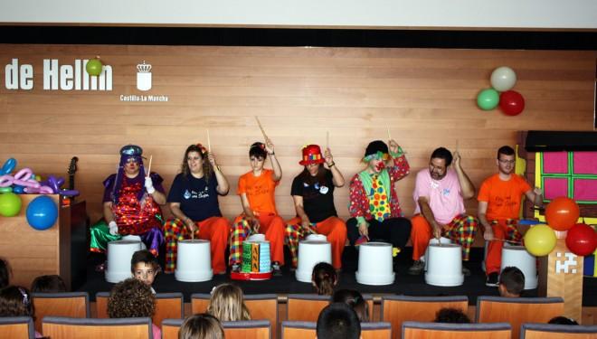 Los niños ingresados en el Hospital de Hellín despiden el curso escolar con una fiesta infantil