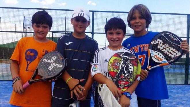 Éxito deportivo y humanitario del Club de Tenis Hellín