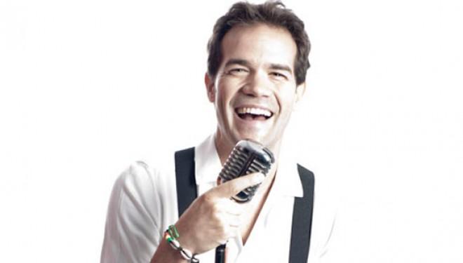 Actuación del monologuista Juan Dávila