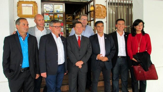 Los políticos visitan la ciudad en Feria