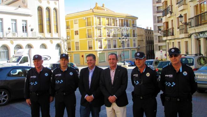 Presentación de la nueva  uniformidad de la Policía Local