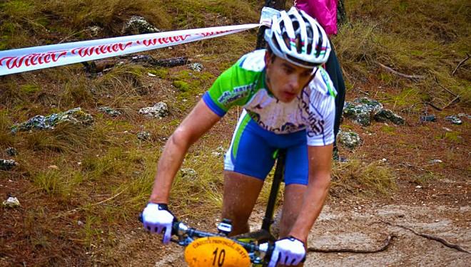César Ruiz sube al podio en Chinchilla