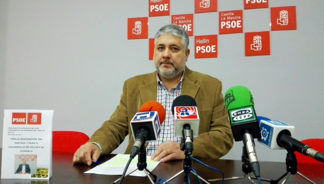 El candidato socialista Juan Jesús Ras presentó su programa